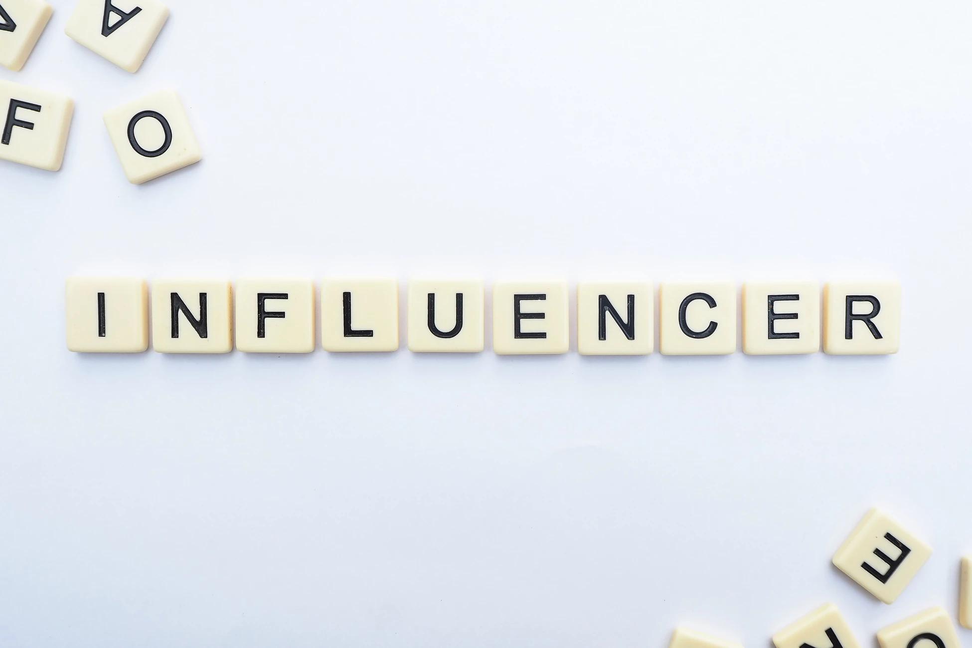 4 Advantages & 3 Disadvantages of Being an Influencer - Mondovo Blog